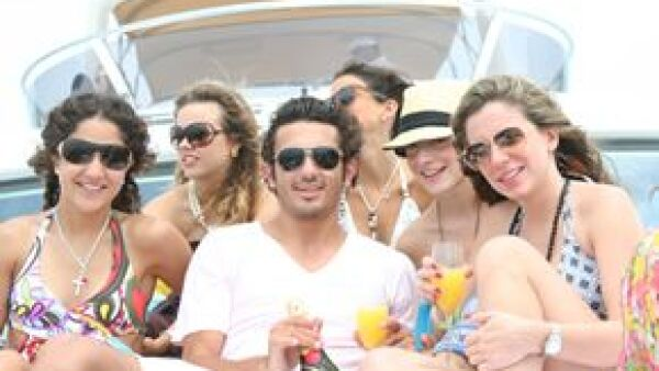 Acompañamos a un grupo de socialités tapatíos a Vallarta, donde disfrutaron de los últimos días de las vacaciones en un exclusivo yate y en el Hotel des Artistes. Fueron invitados por Thomas Sabo.