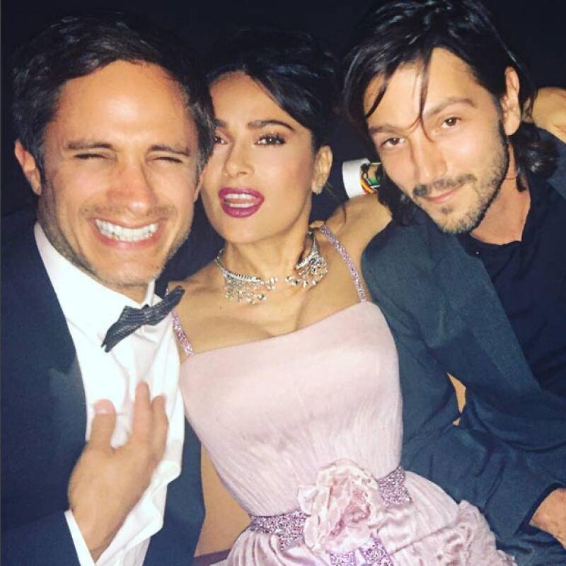 Con todo y ello, Salma presumió sus encuentros con Gael García y Diego Luna.
