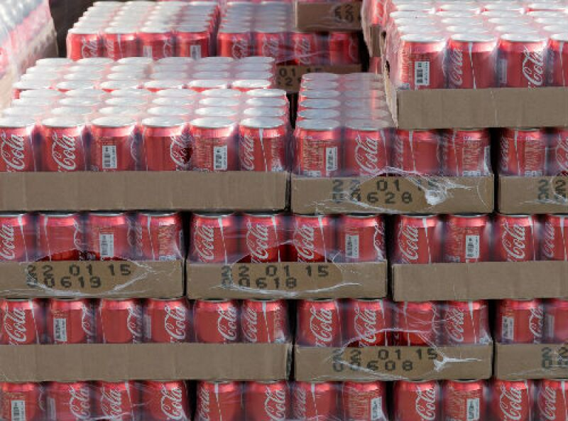 latas de Coca-Cola