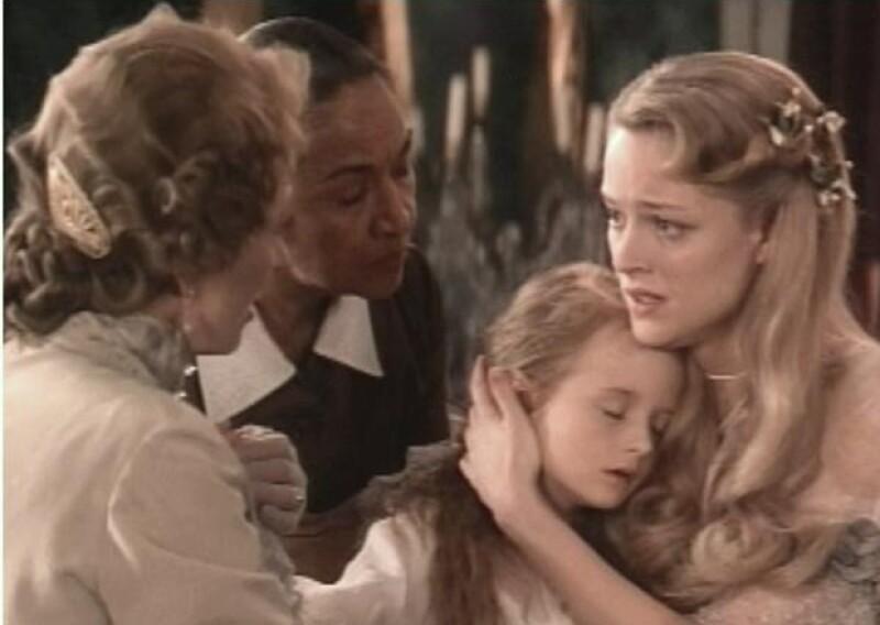Grace Gummer, hija de Meryl Streep acuó en la misma película que ella, aunque no en la misma secuencia.