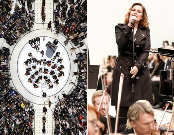 El desfile se llevó a cabo en los Jardines Kensington de Londres. El espectáculo estuvo a cargo de Alison Moyet acompañada por una orquesta.