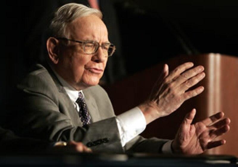 Warren Buffett es el tercer hombre más rico del mundo, según la revista Forbes. (Foto: Archivo)