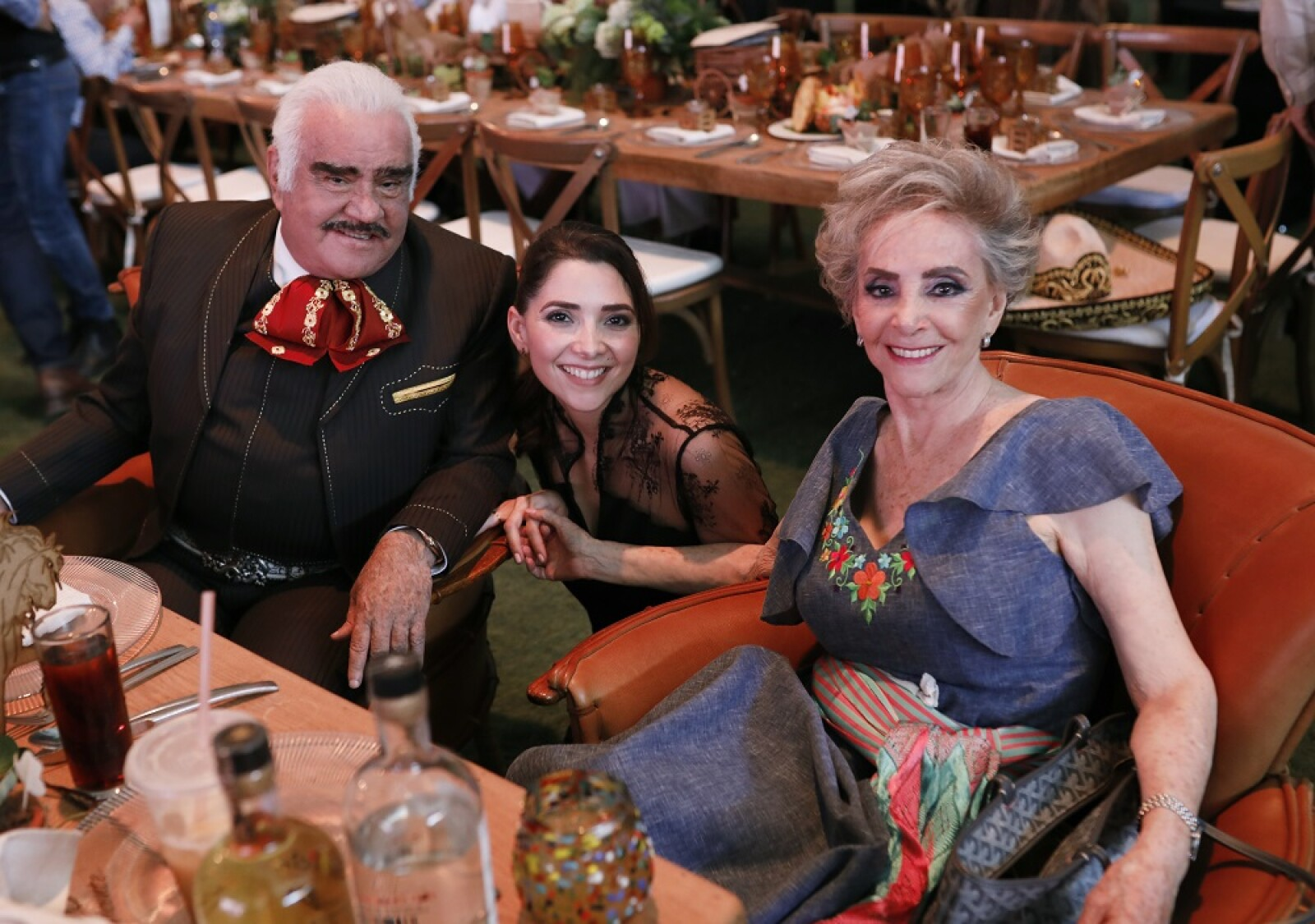 Vicente Fernández, Alejandra Fernández y Cuquita