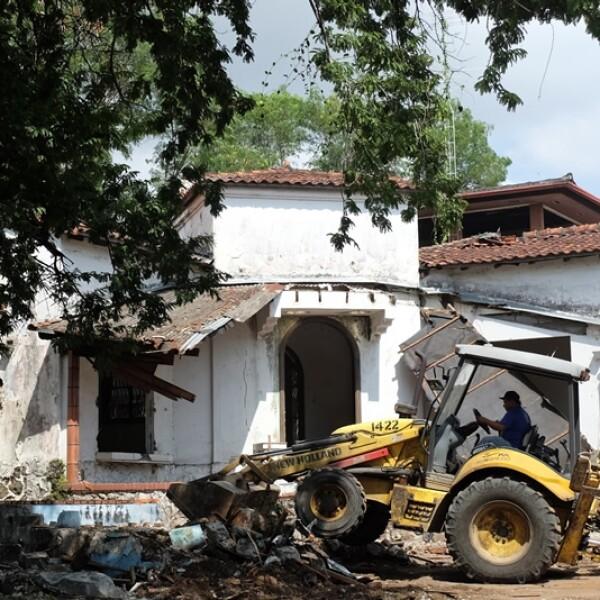 demolicion de casa de antonio noriega