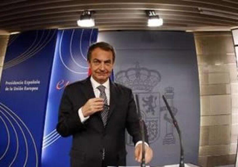 El Gobierno de Rodríguez Zapatero pretende frenar el deterioro de las finanzas de España. (Reuters)