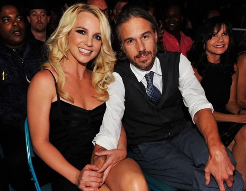 Según una fuente consultada por FOX 411, Jason Trawick está preocupado por lo que la cantante pudiera hacer ahora que se separaron.