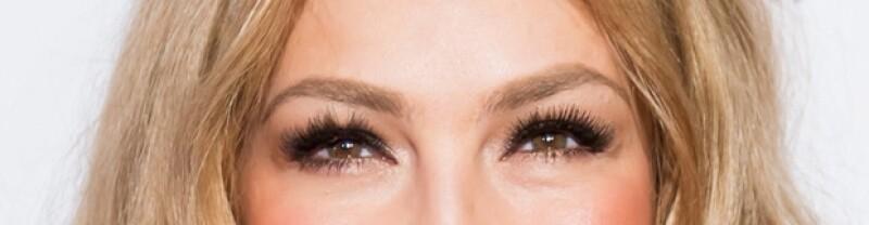 No hay nada peor que unas cejas mal depiladas. Thalía cuida mucho ese detalle.