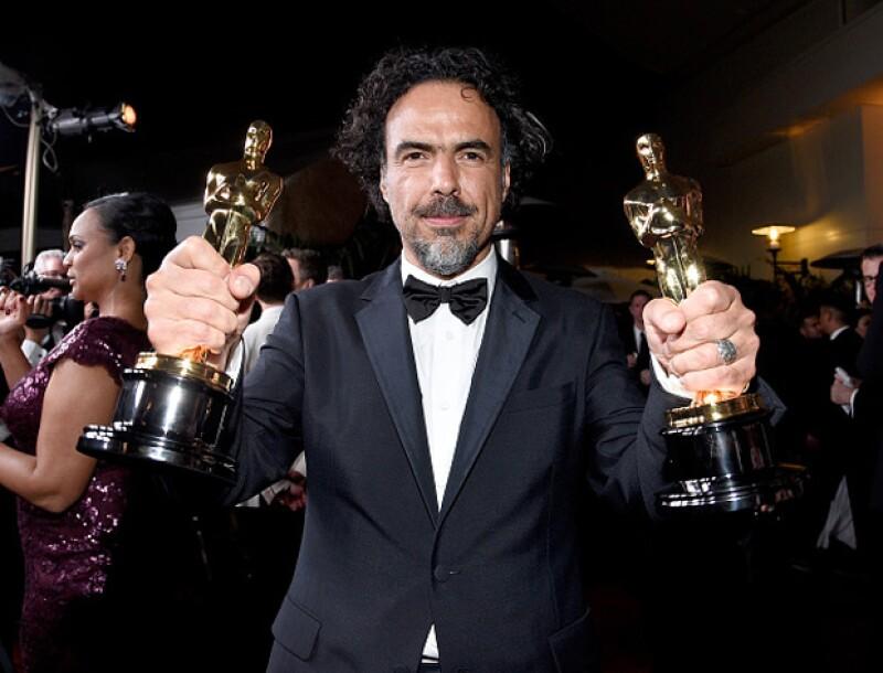 Para sorpresa de muchos, el director mexicano se dirigió a sus compatriotas durante su discurso cuando subió a recoger su Oscar a Mejor Película. Ve el discurso completo.