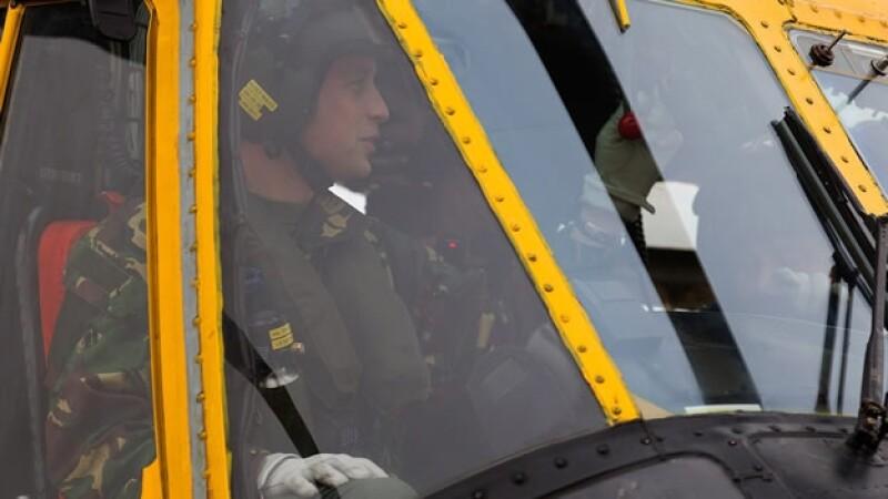 príncipe Guillermo piloto RAF