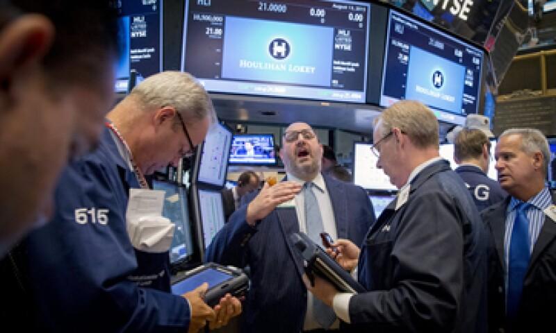 El promedio industrial Dow Jones avanza 0.25% en la Bolsa de Nueva York. (Foto: Reuters)