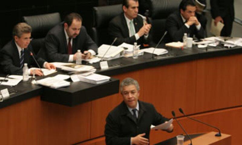 El PRI y el PAN buscan que el predictamen quede aprobado en comisiones este lunes. (Foto: Cuartoscuro)
