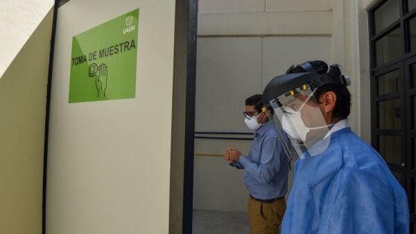 La Clínica Multidisciplinaria de Salud  UAEM inició la aplicación de pruebas rápidas COVID-19 para público en general.