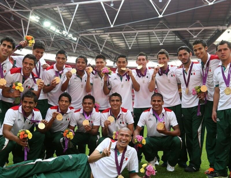 Los jugadores posaron ante las cámaras luegod e vencer a Brasil en los Juegos Olímpicos.