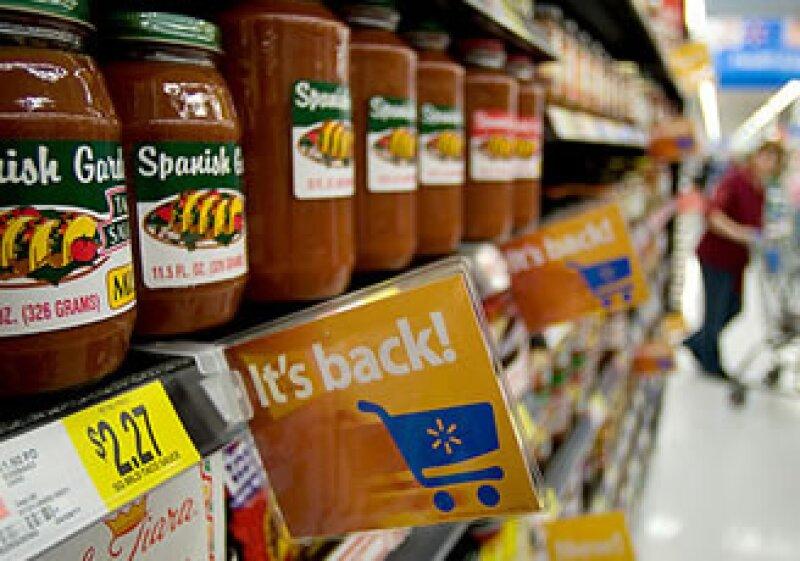 Wal-mart planea traer de vuelta 8,500 productos a sus tiendas. (Foto: CNNMoney)