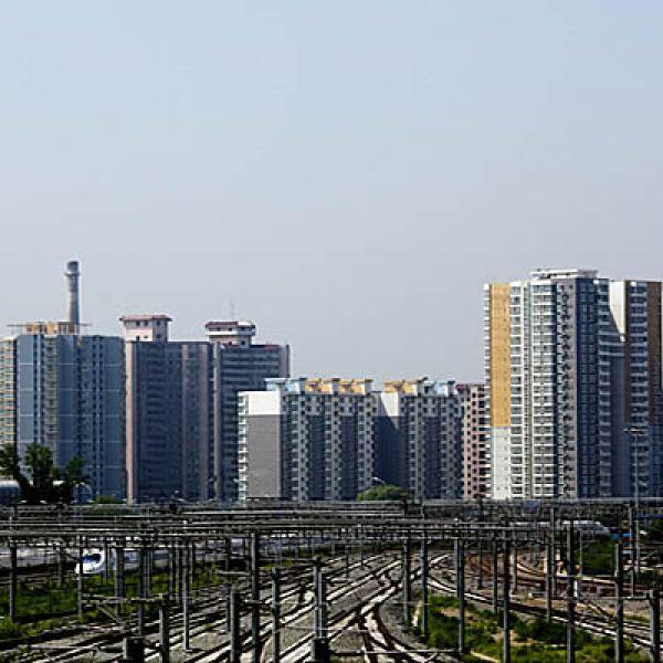 China invertirá este año unos 50,000 millones de dólares en el mantenimiento todo el sistema de trenes., el doble de lo que gastó en el 2008.