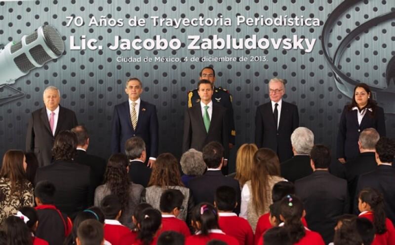 Emilio Chuayfett, titular de la Secretaría de Educación Pública, también estuvo presente en el homenaje.