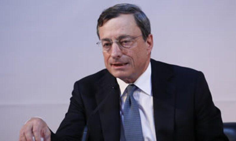 Draghi no entregó una cifra exacta sobre los programas para impulsar a la eurozona. (Foto: Reuters)