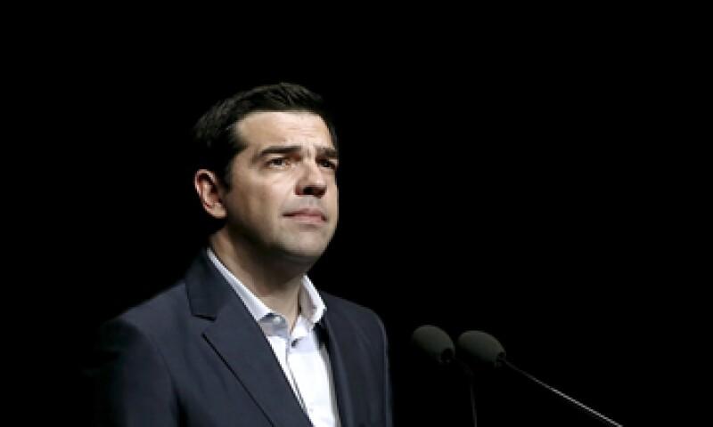 Alexis Tsipras pidió a sus compañeros de partido apoyar las reformas que darán nuevos fondos a Grecia. (Foto: Reuters )