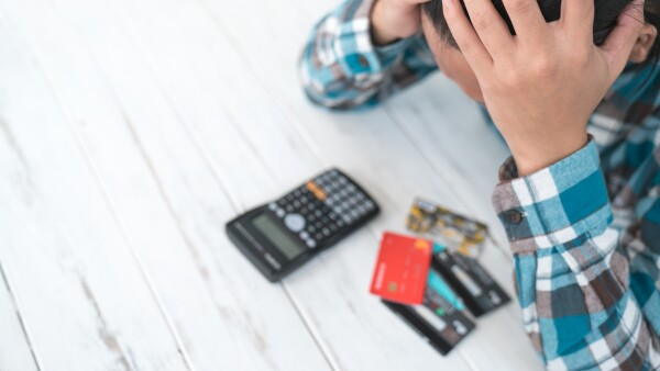 deuda finanzas crédito tarjeta