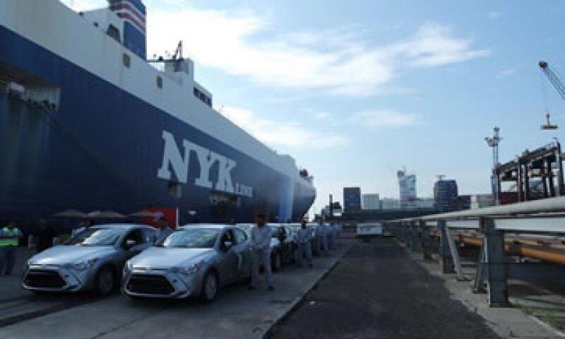 En el corto plazo la capacidad de los puertos será insuficiente para exportar la producción de las automotrices con plantas en México. (Foto: Ivet Rodríguez )