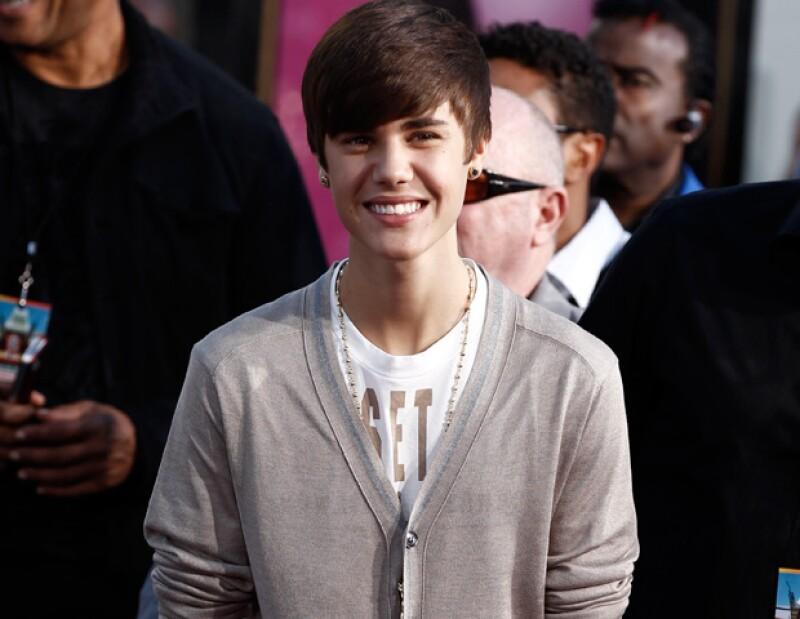 Según informó el Jefe de Gobierno del DF, Marcelo Ebrard, el ídolo pop aceptó presentarse gratuitamente el próximo 11 de junio.
