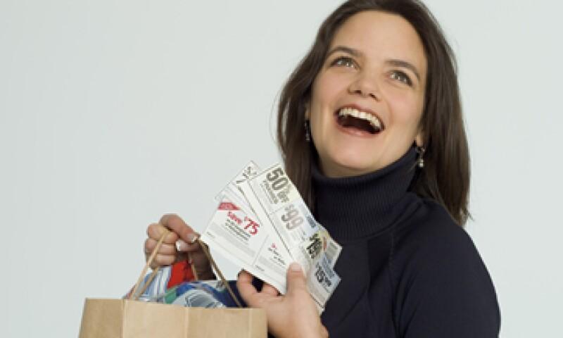 Pregunta por las comisiones de los productos financieros que te ofrecen servicios como gratuitos. (Foto: Thinkstock)