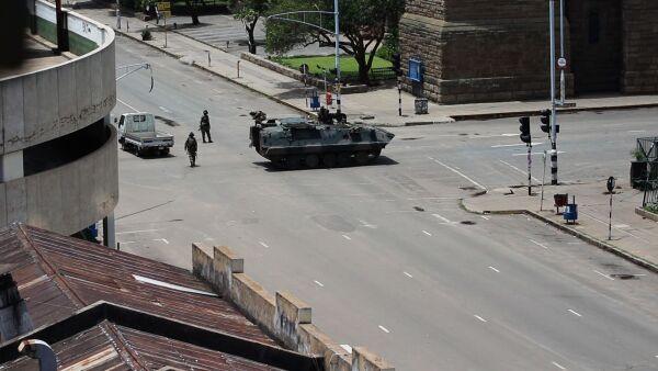 Zimbabue vive horas de tensión política por el futuro del presidente Mugabe