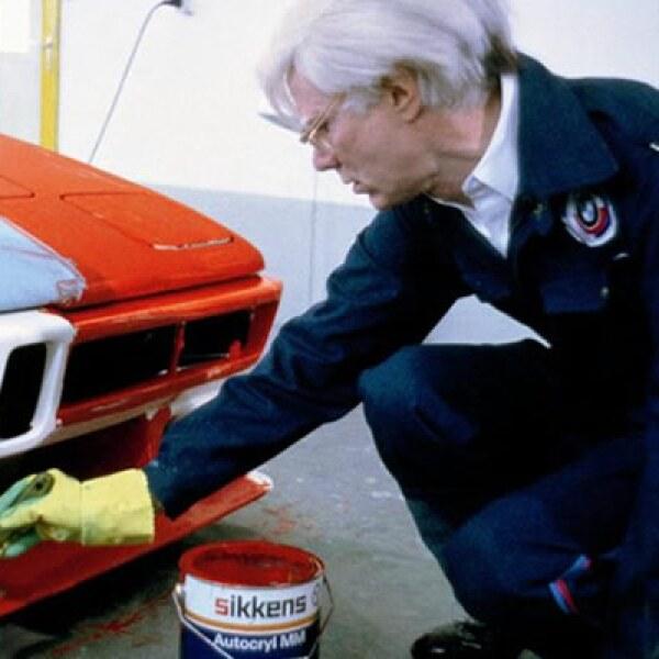 Este movimiento convocó a los artistas más destacados de la época, incluyendo a Frank Stella y su CLS de 1976, el BMW 320 de Roy Linchtenstein que en 1977 reflejó el paisaje en movimiento del circuito, o Andy Warhol con un ejemplar de los pocos M1 en 1979