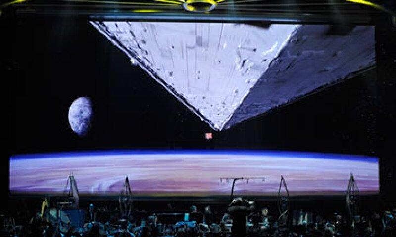 La escena de apertura de Star Wars Episodio IV: Una nueva esperanza, exhibida en un concierto en la Arena Orleans de Las Vegas, Nevada (Foto: Getty Images/Archivo )