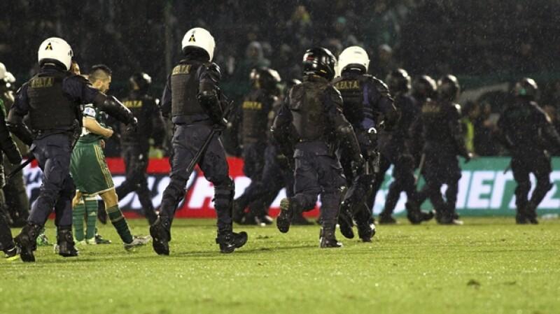 policia futbol grecia