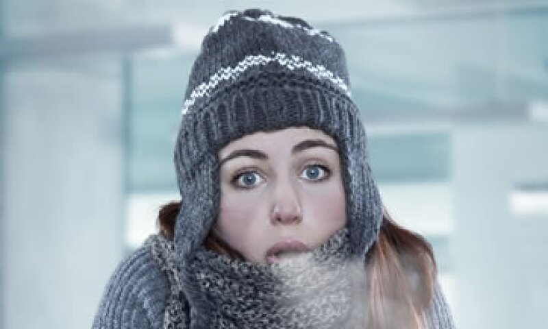 Las mujeres perciben el aire acondicionado como más frío en comparación con los hombres. (Foto: iStock by Getty Images )