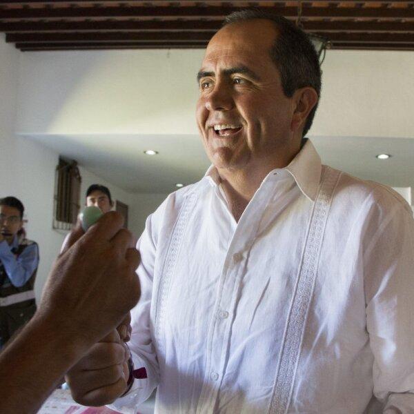 Gabriel Arellano Espinosa, expriista y candidato independiente a la gubernatura de Aguascalientes, votó en la capital al mediodía dejando claro que la independencia lo llevará al cargo.