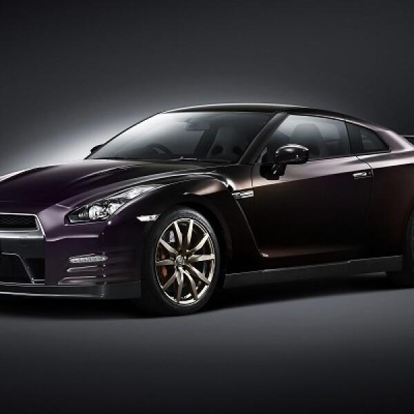 El GT-R en color Midnight Opal es edición especial del vehículo de Nissan, que garantiza un acabado único.