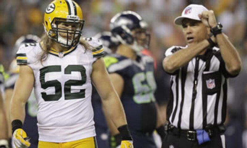 La NFL decretó un cierre patronal contra los árbitros regulares desde junio, cuando no lograron un acuerdo para firmar un nuevo convenio colectivo. (Foto: AP)