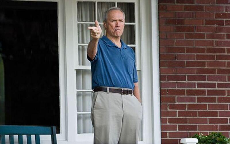 Walt Kowalski, un inflexible veterano de guerra, pasa la vida retirado y cuidando su más grande posesión: un Gran Torino 72. Cuando unos adolscentes intentan robárselo, no saben en qué problema están.