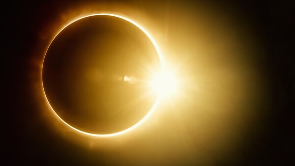 Eclipse total.