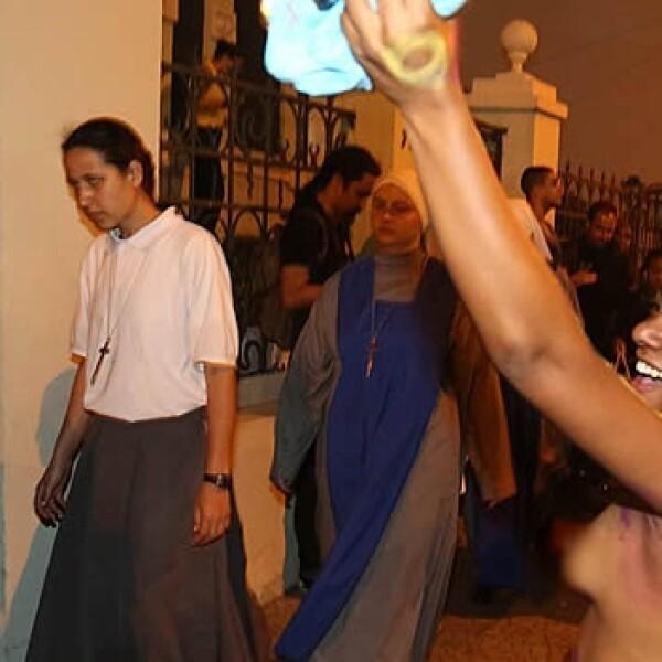 Mujeres religiosas manifestantes