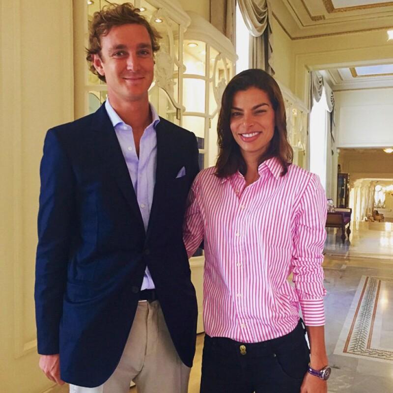 Pierre Casiraghi accedió amablemente a tomarse una foto con la empresaria mexicana.