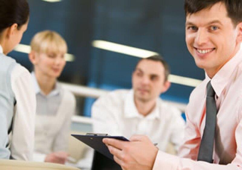 Para incentivar a los empleados puedes ofrecer un programa de incentivos de prepago.  (Foto: Photos to Go)