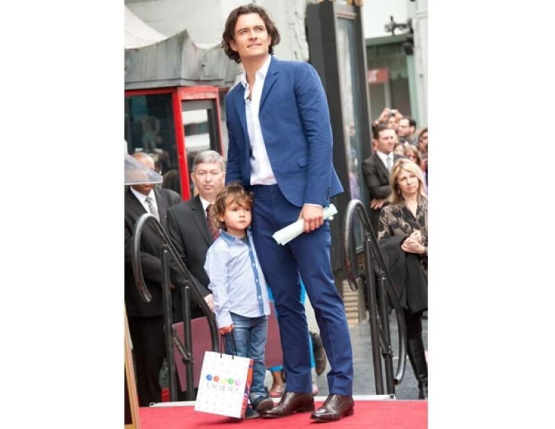 Orlando Bloom con su hijo Flynn siempre acompañándolo en los momentos importantes.