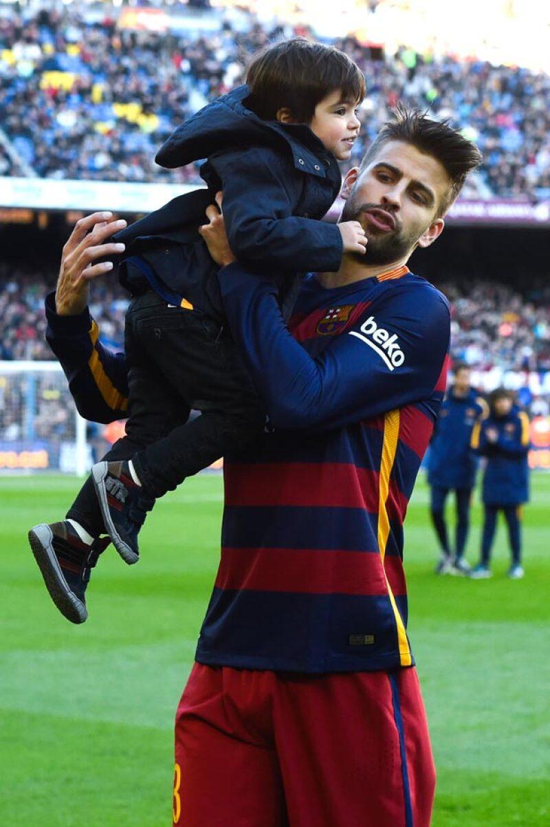 Milan y Sasha poco a poco se están conviertiendo en los porristas más tiernos de Piqué.
