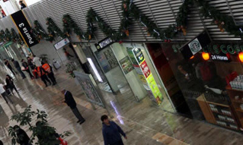 El Aeropuerto Internacional de la Ciudad de México espera las indicaciones del Gobierno para tomar medidas preventivas. (Foto: Notimex)