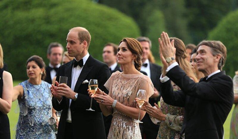 Como es común en ellos, la pareja real encantó con su estilo y carisma.