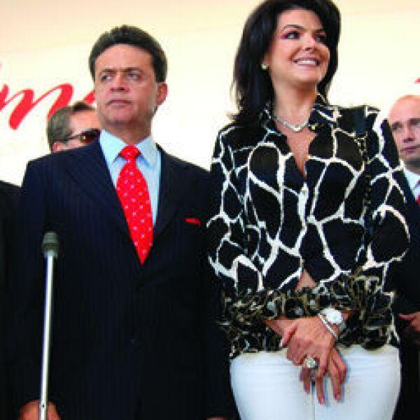 Carlos Peralta, Mariana Tort de Peralta