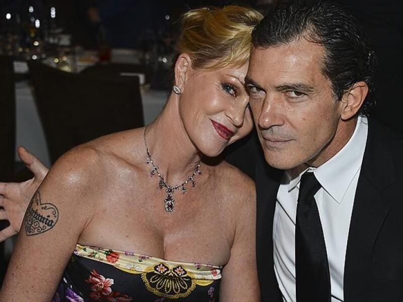 """En una imagen reciente con la también actriz Eva Longoria dejó ver que lo suyo con el español es cosa del pasado, y es que es muy claro que se quitó el tatuaje con la leyenda """"Antonio""""."""