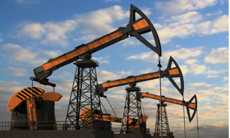 El petróleo se ha desplomado desde junio debido a nuevos suministros de crudo ligero de Norteamérica.  (Foto: iStock by Getty Images. )
