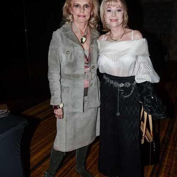 María de la Luz Maíz y Linda Garza.