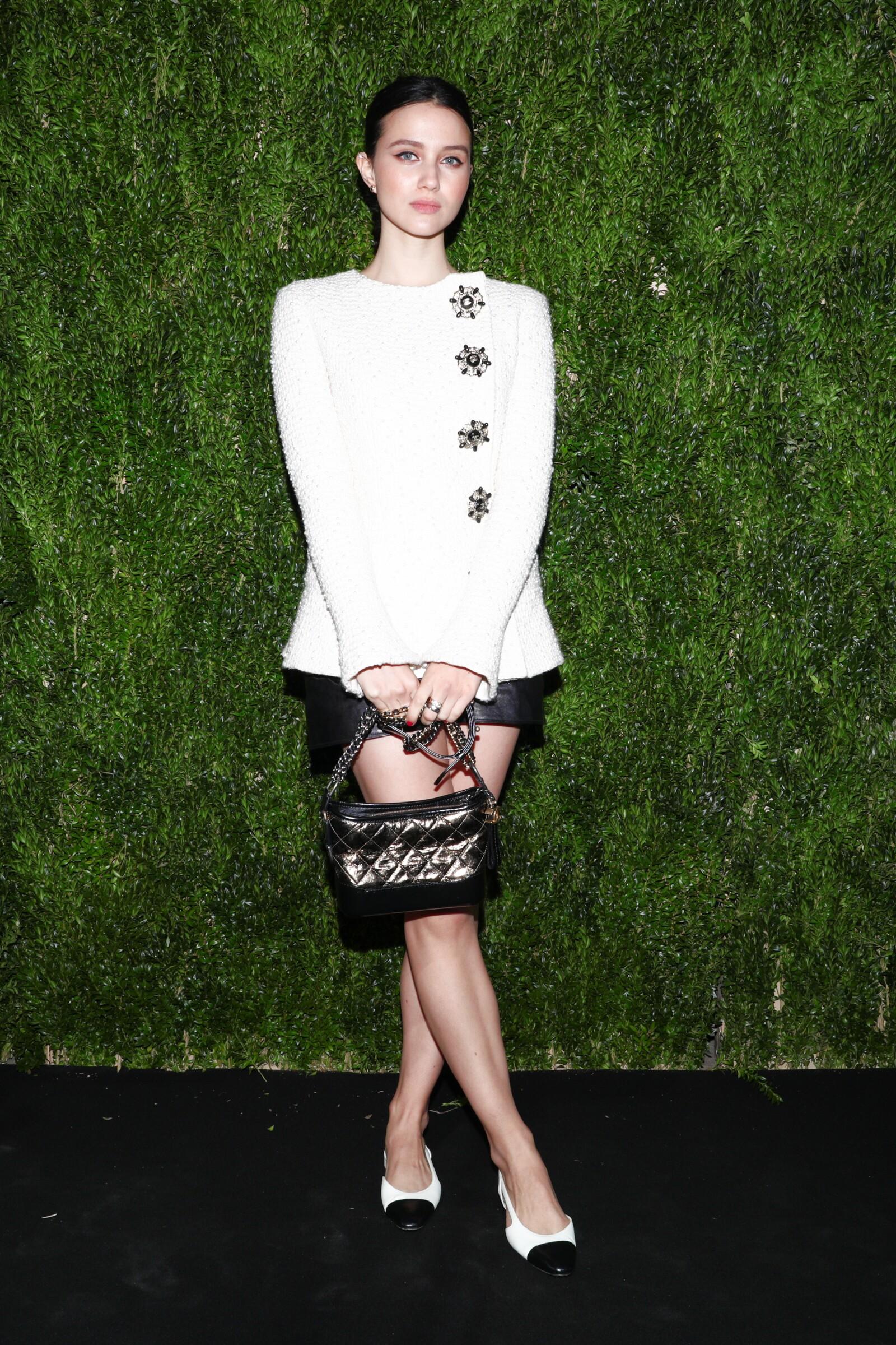 En el luncheon de Chanel, Julia Goldani Telles, trae un look on point de mademoiselle Coco