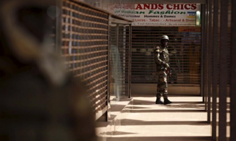 Los hoteles pueden hacer varias cosas para prevenir el tipo de ataques que vimos el viernes en Malí, dice el autor. (Foto: Reuters )