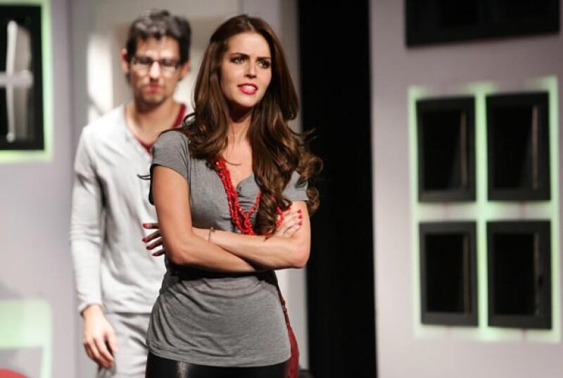La actriz participa en la serie `El Equipo´, su primer proyecto dentro de las filas de Televisa y el cual se estrena hoy. Es producida por Pedro Torres y también actúan Alfonso Herrera y Zuria Vega.
